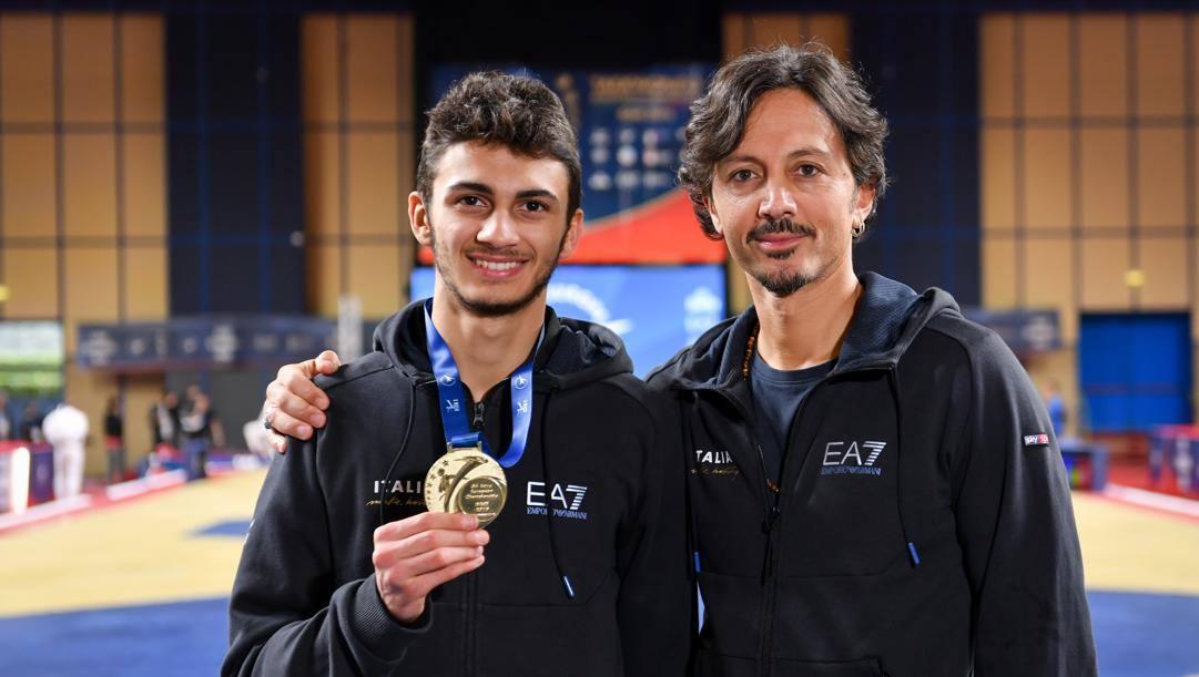 Vito Dell'Aquila, 19 anni, con il direttore tecnico della Nazionale Claudio Nolano