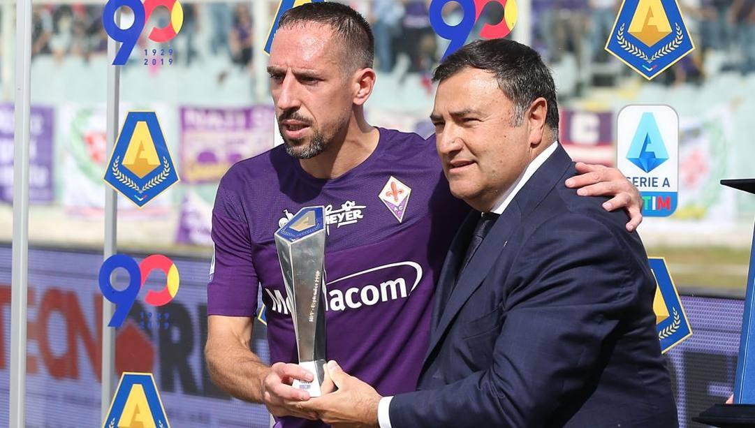 Joe Barone, dg della Fiorentina, con Franck Ribery. Getty