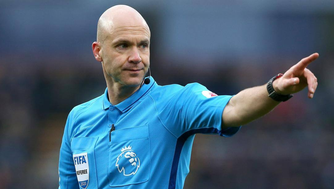 Anthony Taylor arbitra in Premier League dal 2010.
