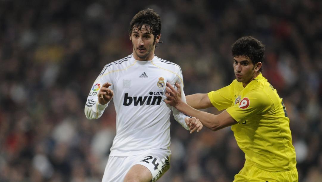 Esteban Granero in una foto del 2010, quando giocava nel Real Madrid. Afp