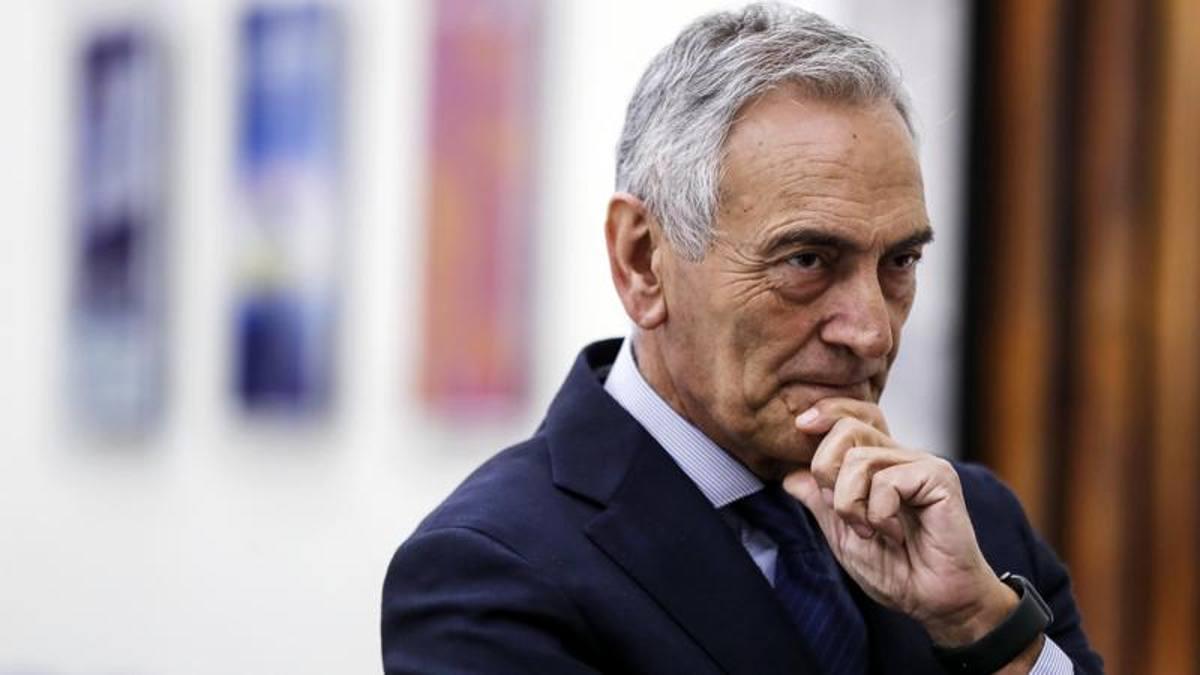 """L'ultima ipotesi di Gravina: """"Serie A 2019-20 fino a settembre-ottobre"""""""