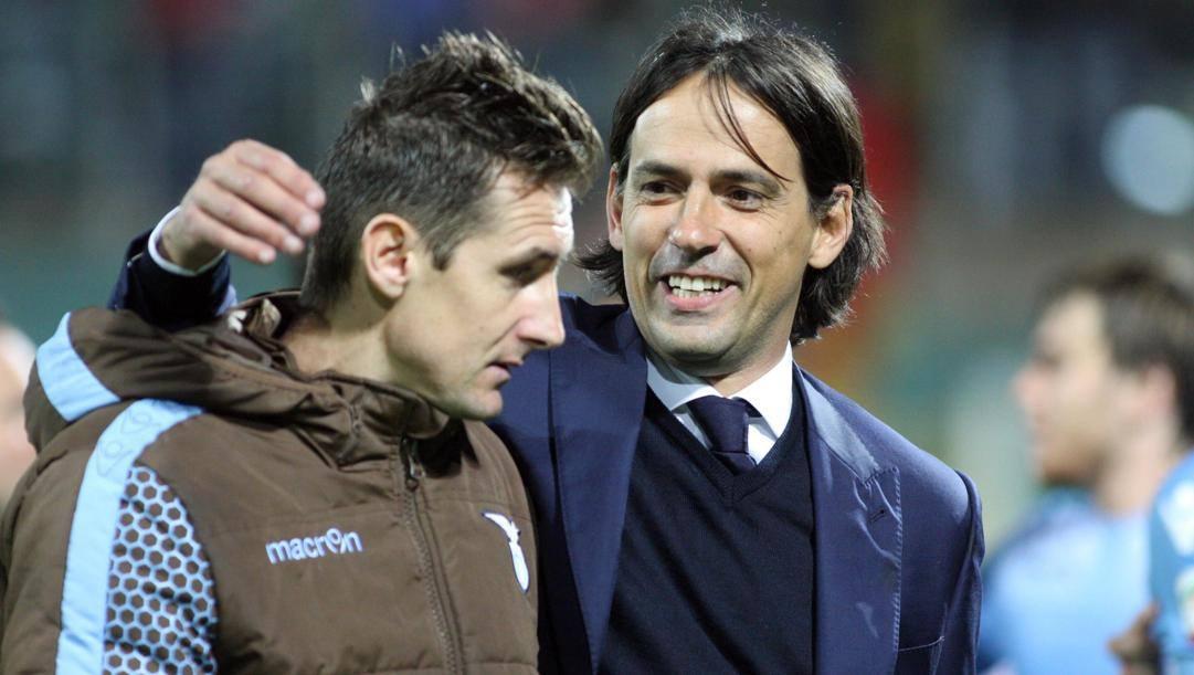 Simone Inzaghi con Miroslav Klose. Ansa