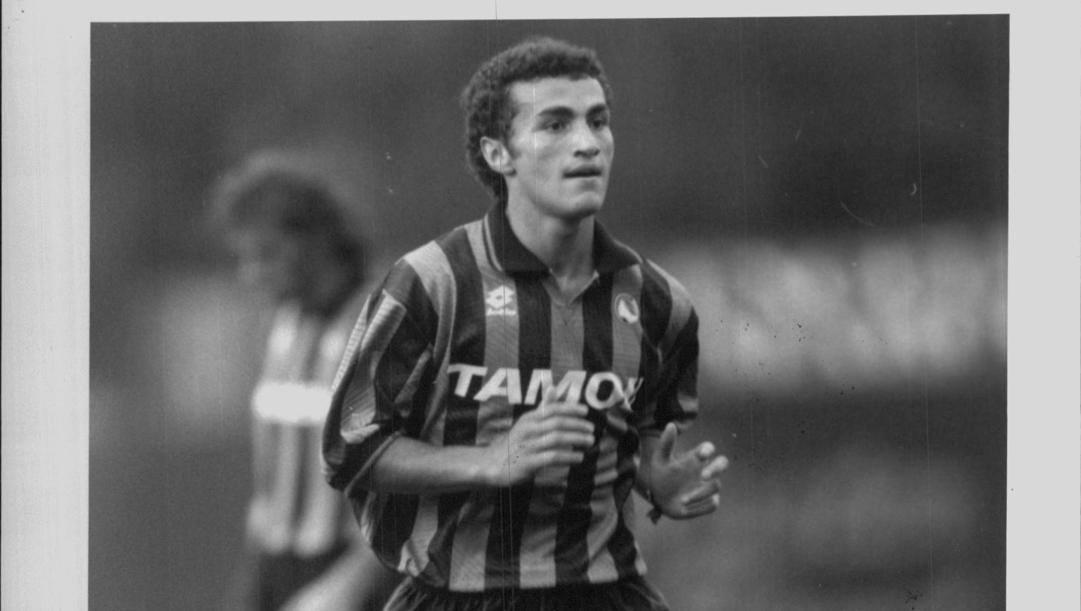Paolo Montero con la maglia nerazzurra dell'Atalanta.