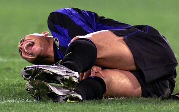 Ronaldo in lacrime dopo l'infortunio. Ansa