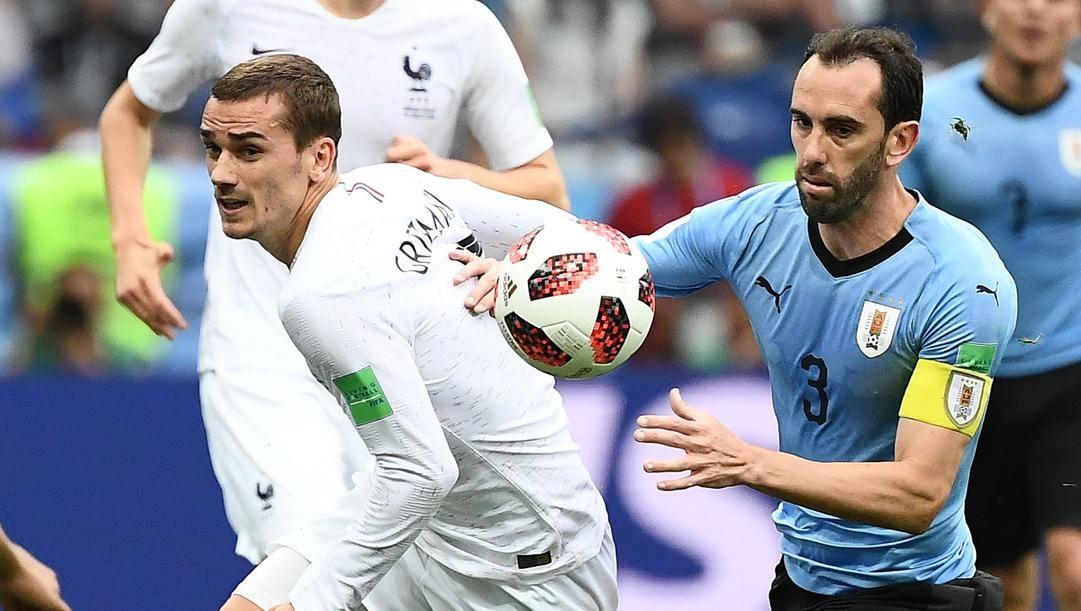 Griezmann e Godin, avversari in Francia-Uruguay
