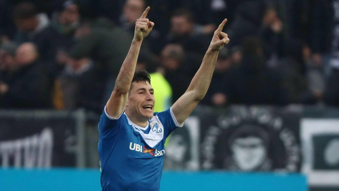 Dimitri Bisoli esulta dopo il suo gol segnato all'Udinese. (Epa)