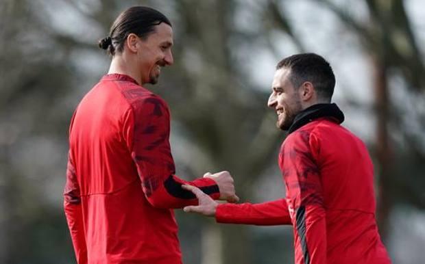 Zlatan Ibrahimovic, 38 anni, e Giacomo Bonaventura, 30 LAPRESSE