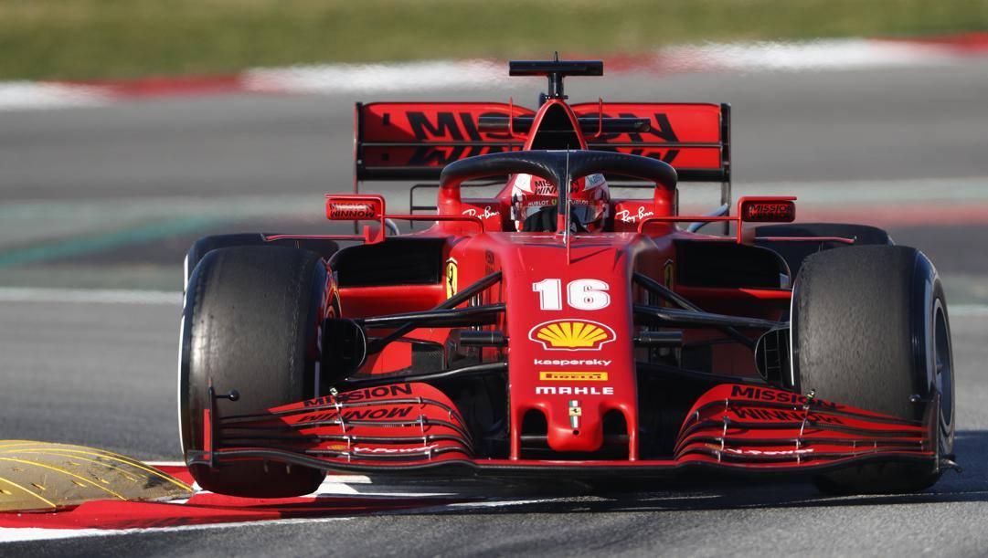 Charles Leclerc, 22 anni, sulla sua Ferrari SF1000 durante i test di febbraio a Barcellona. Ap