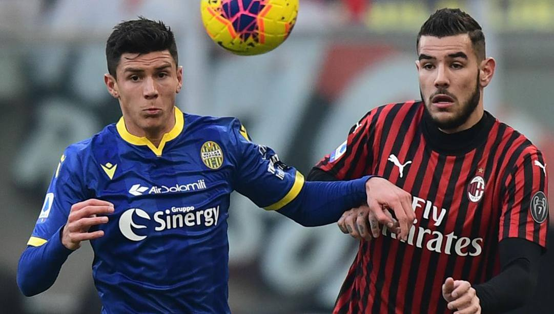 Matteo Pessina e Theo Hernandez in Milan-Verona di campionato. Afp