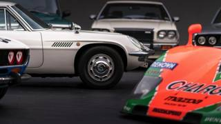 Mazda, una storia di sfide: dal motore rotativo alla svolta elettrica