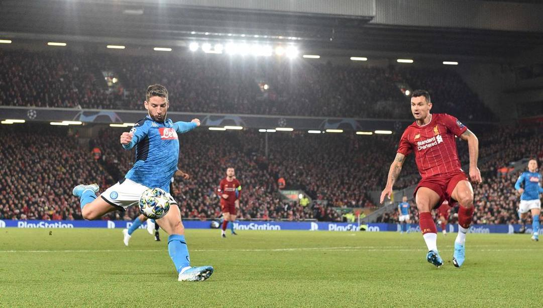 Dris Mertens, 32 anni, attaccante del Napoli, qui in gol a Liverpool. Getty