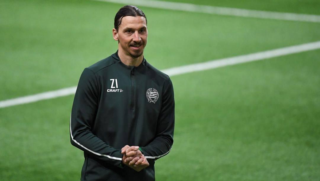 Il centravanti del Milan Zlatan Ibrahimovic, 38 anni, si allena in Svezia con l'Hammarby. Afp