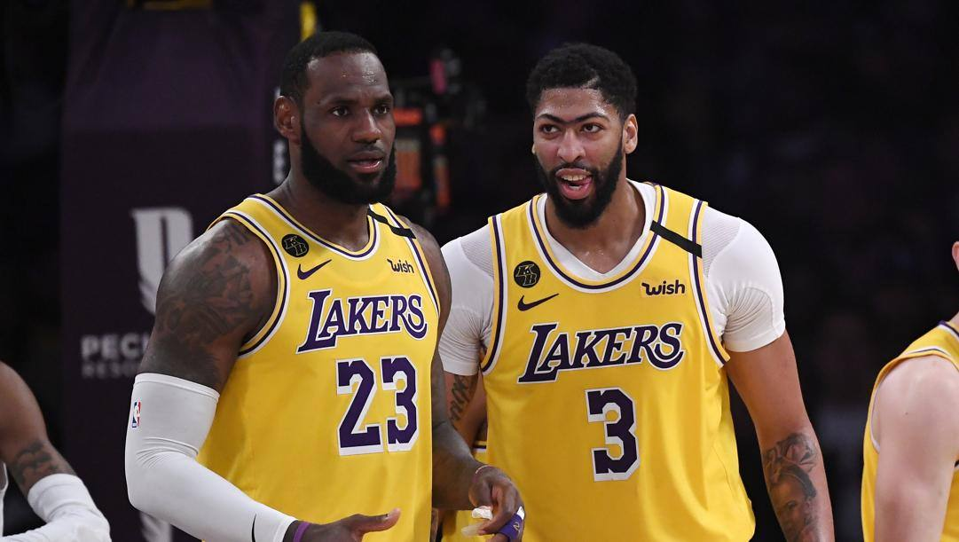 LeBron James, 35 anni, e Anthony Davis, 26. LaPresse