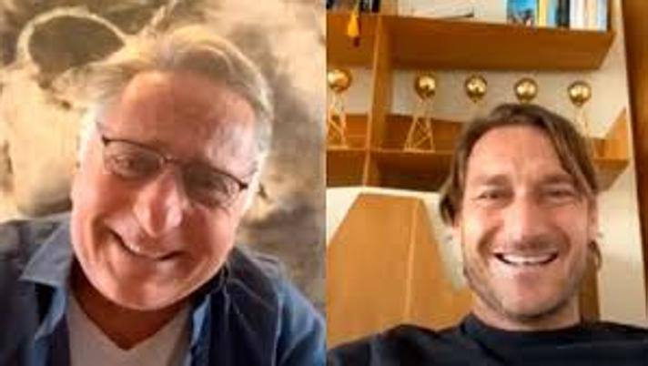 Francesco Totti durante la diretta Instagram con Paolo Bonolis