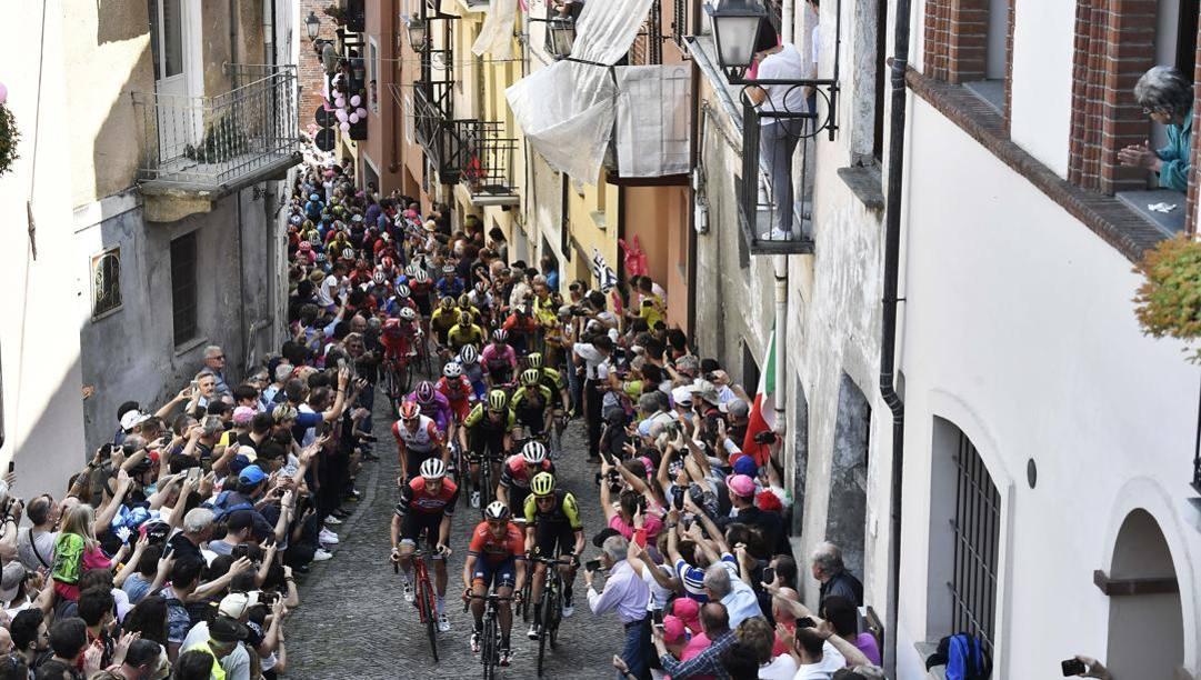 Un'immagine del Giro d'Italia 2019. Lapresse