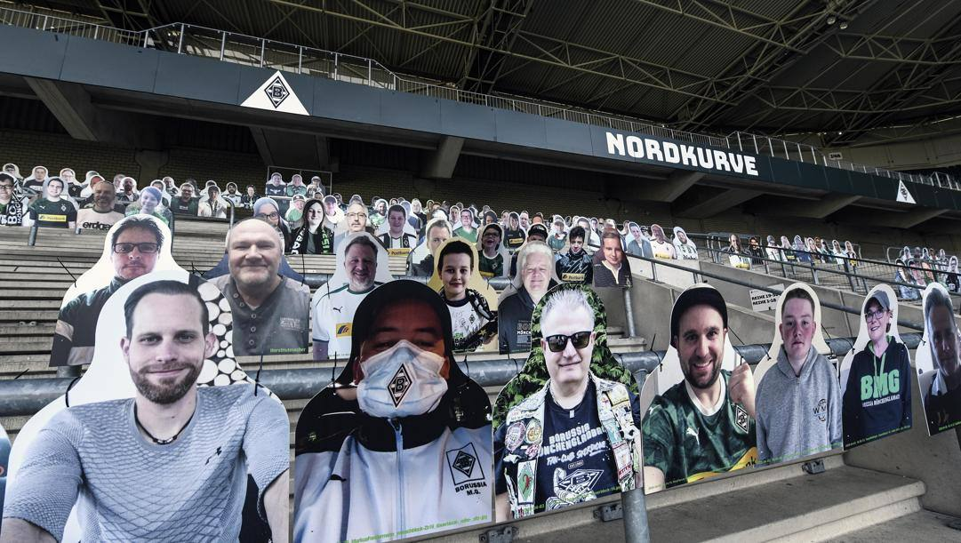 "La ""nuova"" tribuna del Borussia Moenchengladbach. Ap"