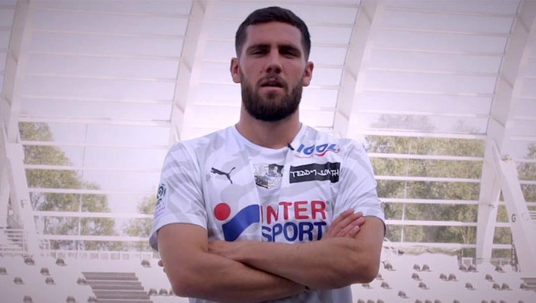 Arturo Calabresi, in prestito dal Bologna all'Amiens.