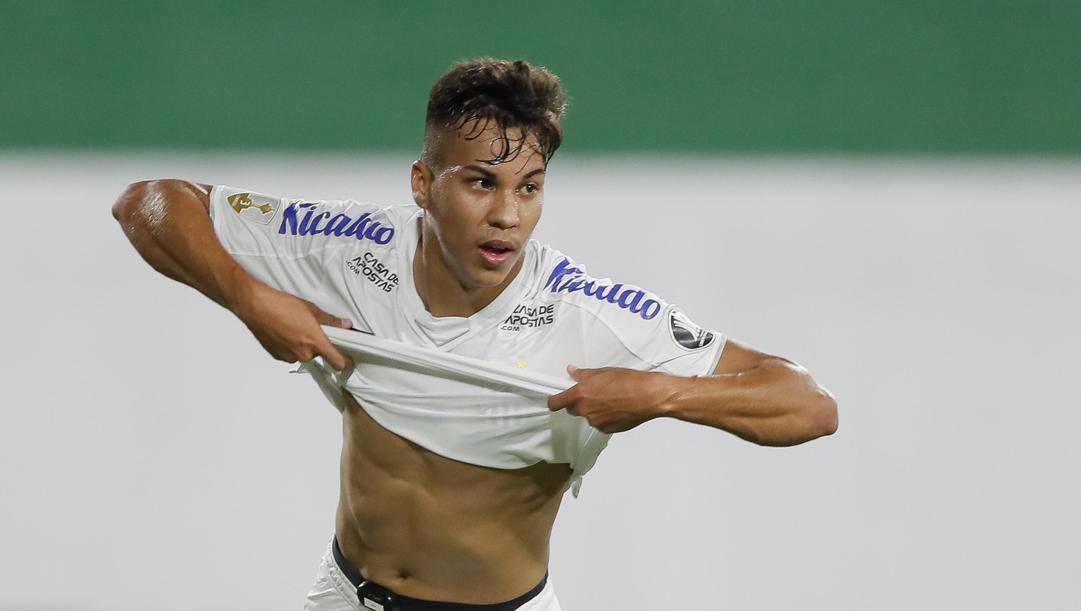 Kaio Jorge, 18 anni, in rete in Copa Libertadores. Epa