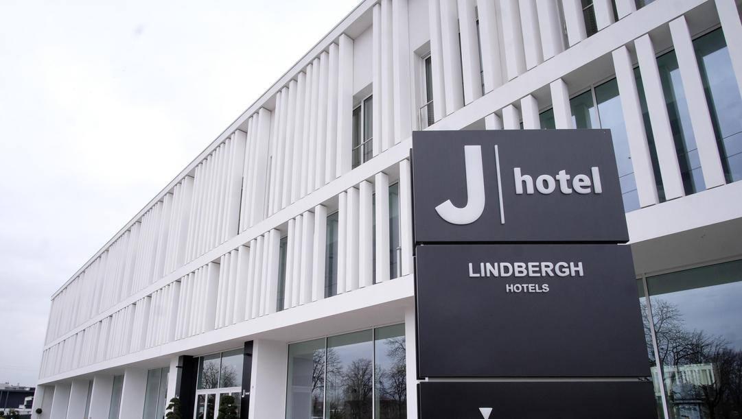 L'ingresso del J Hotel alla Continassa