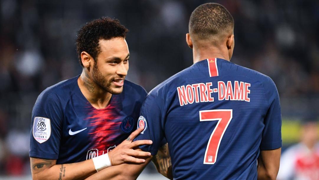 Neymar e Mbappe. Afp