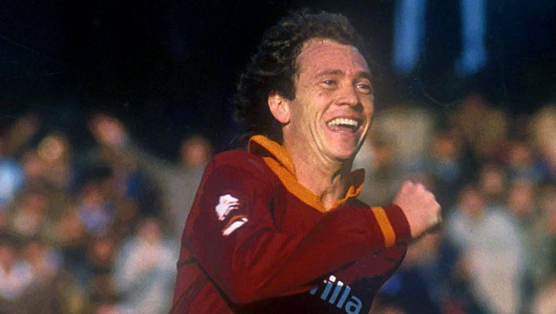 Paulo Roberto Falcao arrivò alla Roma nell'estate 1980. Bartoletti