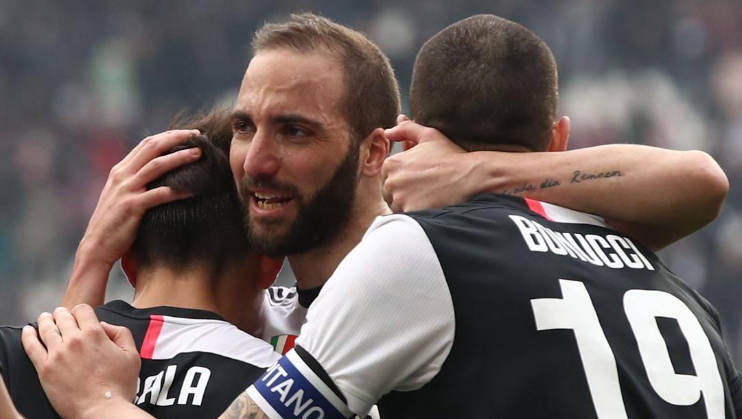 Gonzalo Higuain, 32 anni, con Dybala e Bonucci in Juve-Brescia. Afp