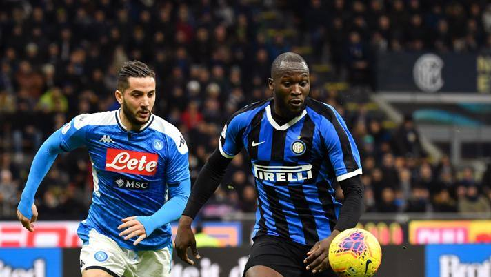 Romelu Lukaku e Kostas Manolas in Inter-Napoli di Coppa Italia. Lapresse
