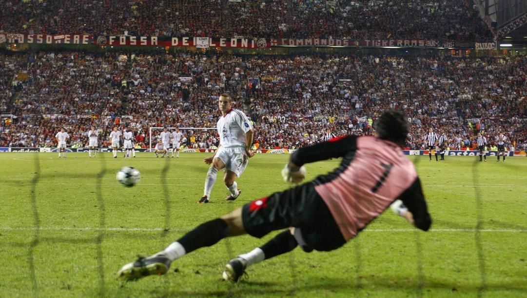 Il rigore di Sheva contro Buffon a Manchester. Getty