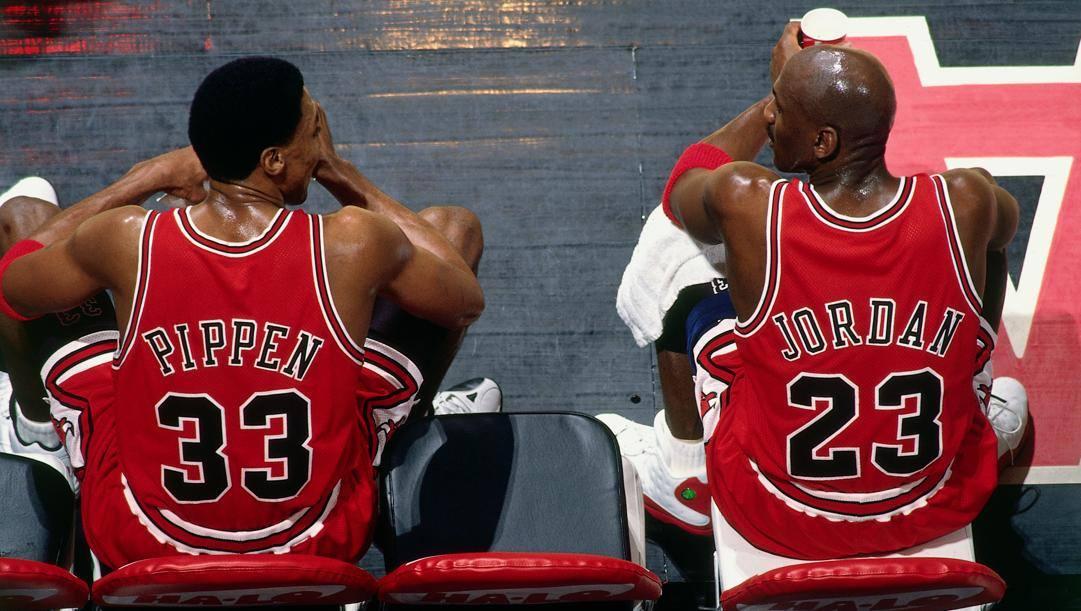 Scottie Pippen e Michael Jordan: insieme ai Bulls hanno vinto 6 anelli in 8 anni.
