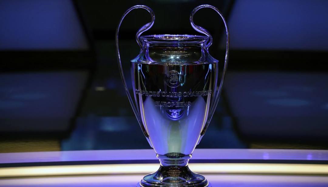 Il trofeo della Uefa Champions League AP