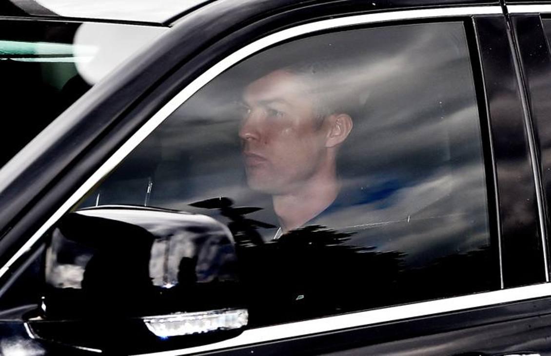 Dopo oltre due mesi dalla partenza per Madeira e dopo una mini-quarantena al rientro a Torino, Cristiano Ronaldo si è ripresento alla Continassa: arrivato a bordo di un'auto nera, ha subito iniziato esami e test. Ansa