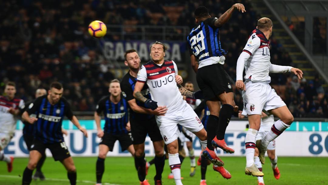 Santander segna all'Inter, inizia la riscossa del Bologna. Afp