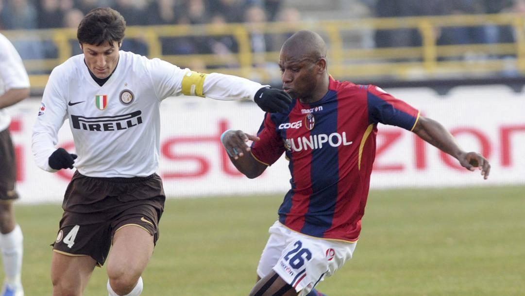 Mudingaj contro Zanetti. Afp