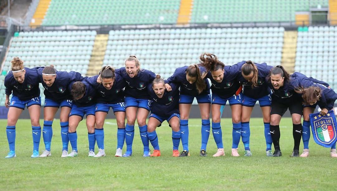 La nazionale azzurra di calcio femminile.