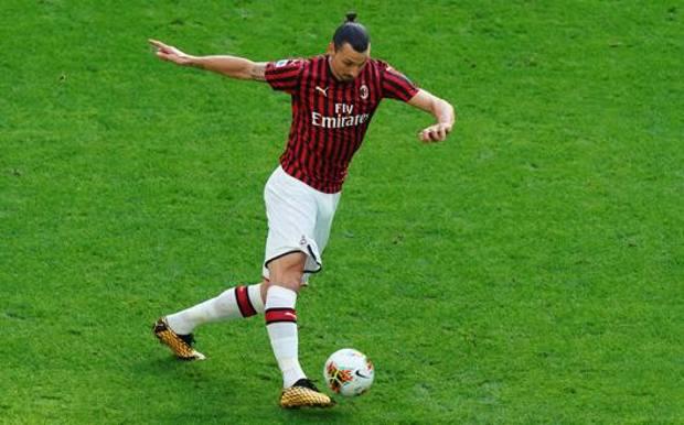Zlatan Ibrahimovic, 38 anni, svedese, al Milan da gennaio. In rossonero aveva già giocato tra il 20210 e il 2012 LAPRESSE