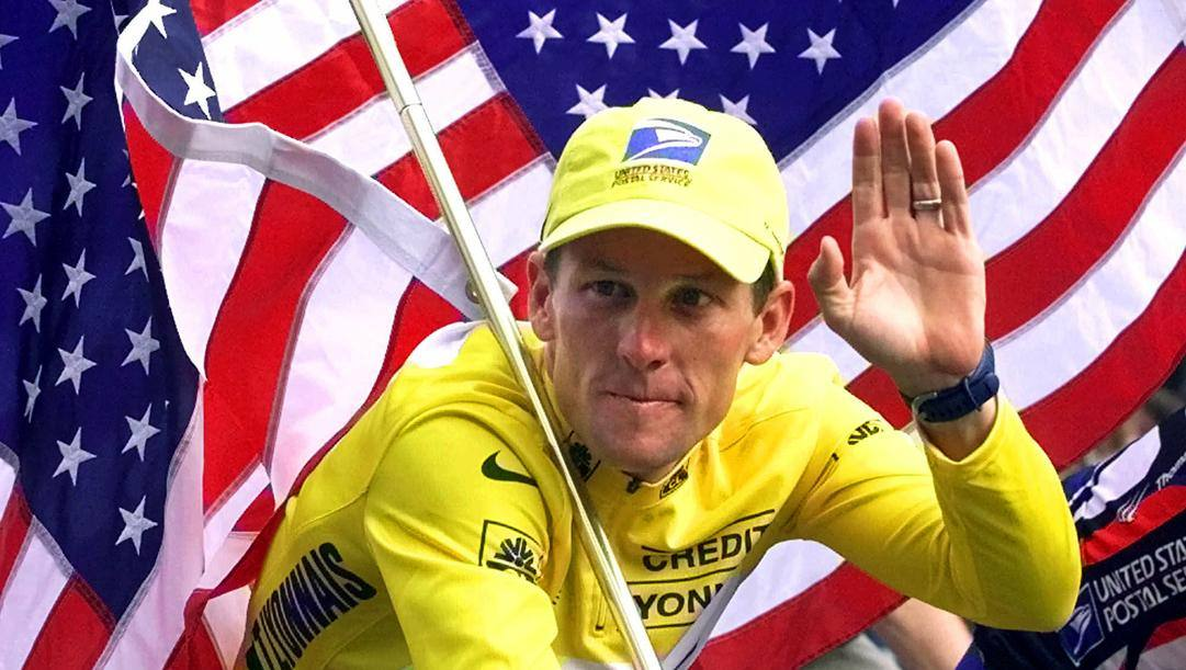 Lance Armstrong in maglia gialla nel 2000.