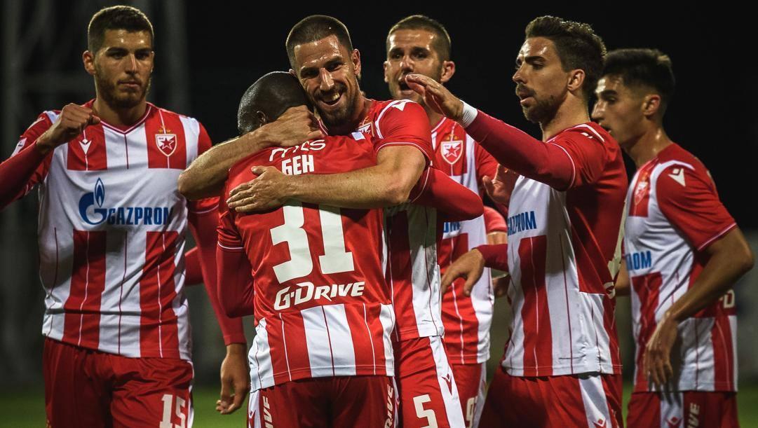 Il n. 5 Degenek festeggia un suo gol ieri col Rad assieme ai compagni, col 31 Ben Nabouhane, il 1° a destra è Gavric