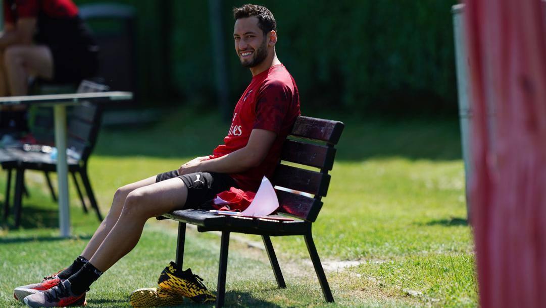 Hakan Calhanoglu, 26 anni, al Milan dal 2017-18. LaPresse