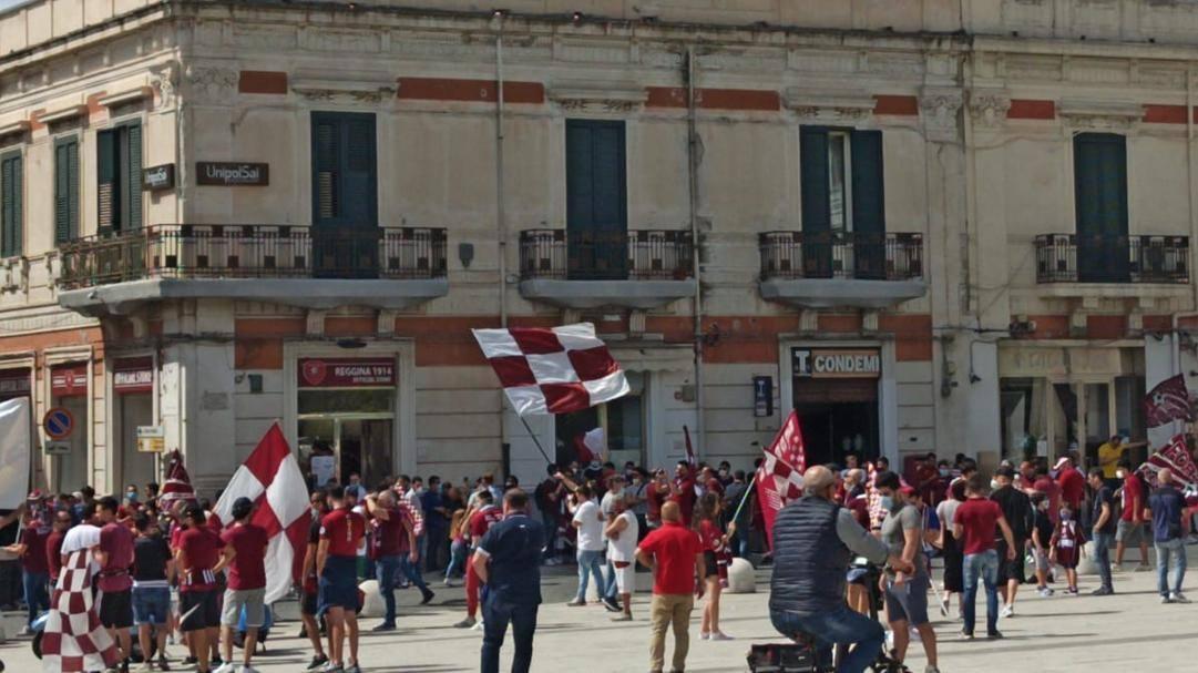 Festa in piazza a Reggio Calabria per la promozione in B