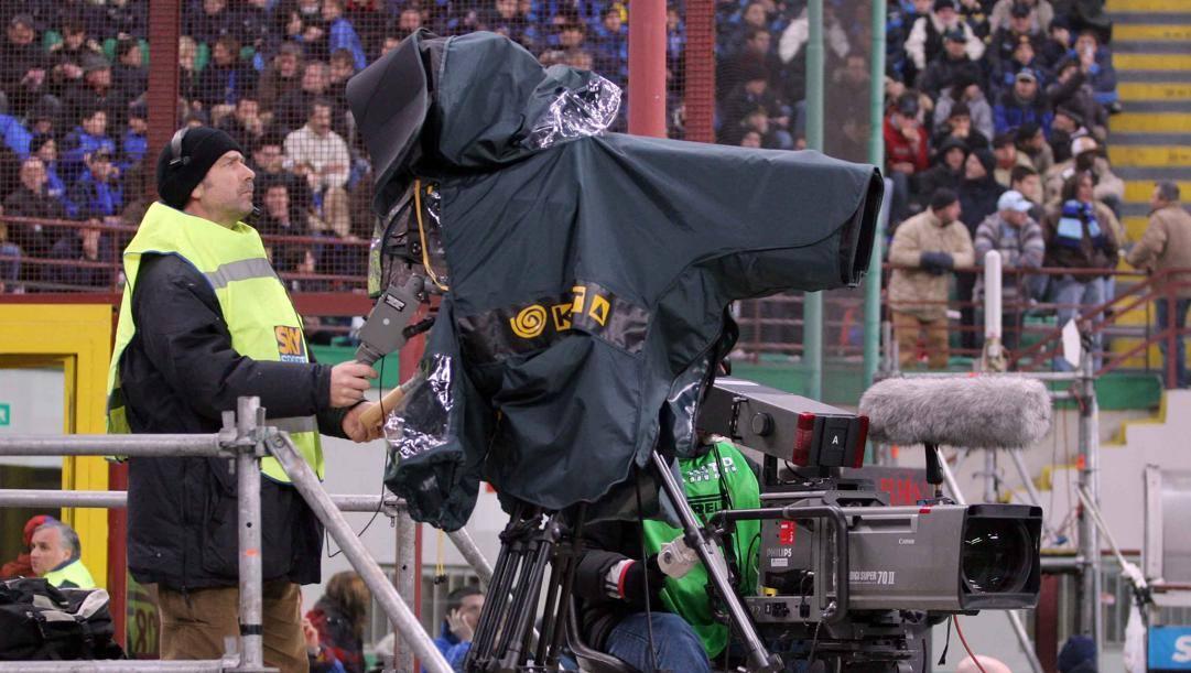 La battaglia per il calcio in chiaro prosegue: Spadafora prova a mediare