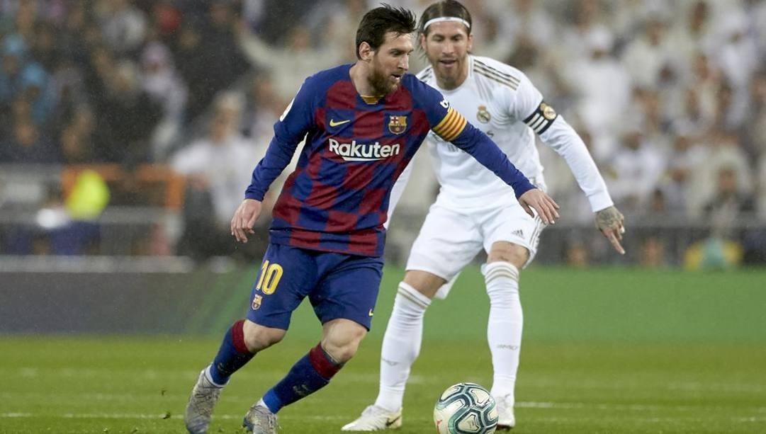 Messi contro Ramos nell'ultimo Real-Barça. LaPresse