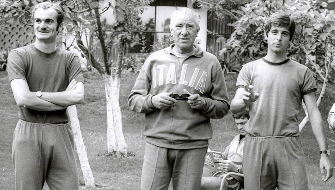 Mazzola, il c.t. Valcareggi e Rivera.