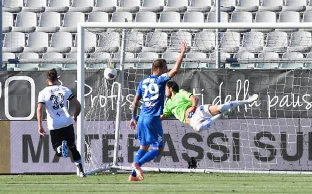 Il gol di Ragusa che ha deciso la gara con l'Empoli. LaPresse