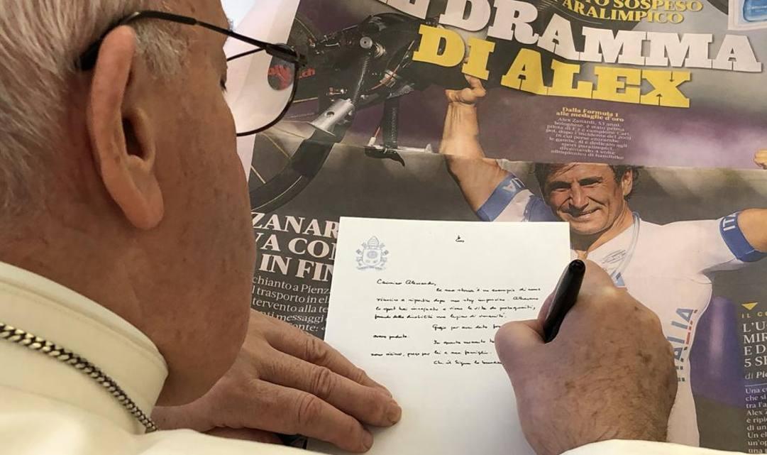 Papa Francesco scrive a Zanardi sulla prima pagina della Gazzetta