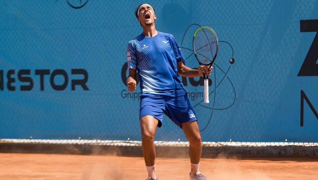 L'urlo di Lorenzo Sonego, numero 46 del mondo, dopo la vittoria sul 22enne Andrea Pellegrino. Foto Marta Magni