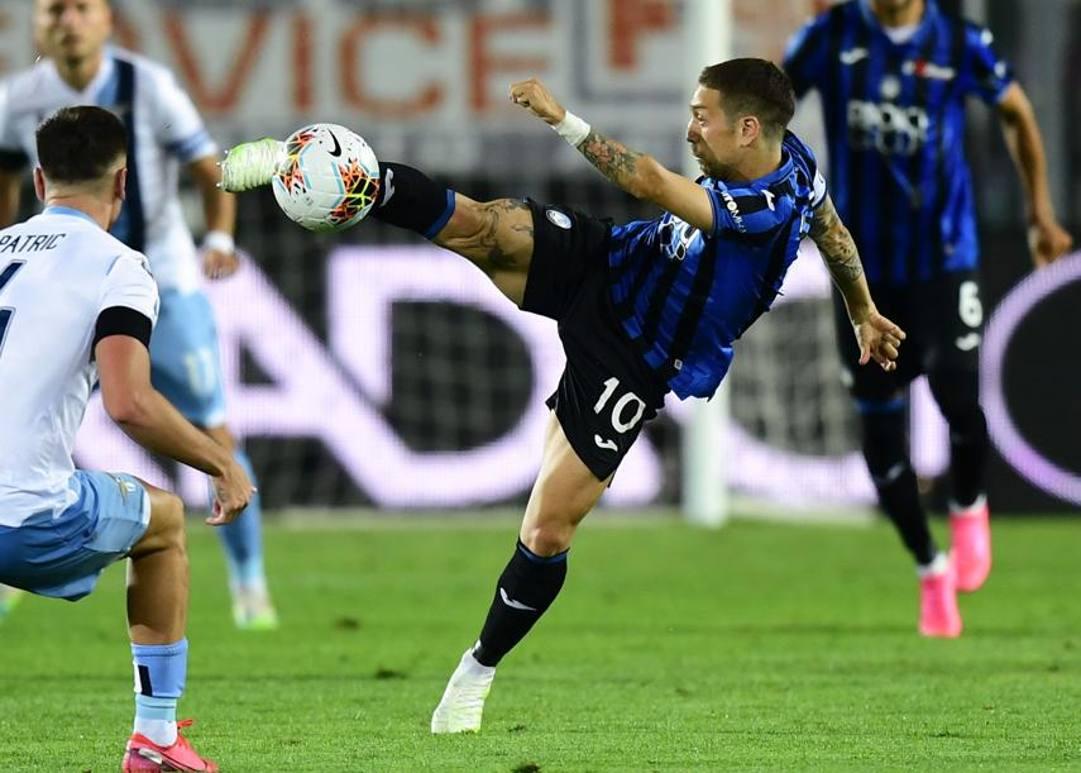 Bel gesto tecnico di Papu Gomez, Atalanta-Lazio. Afp