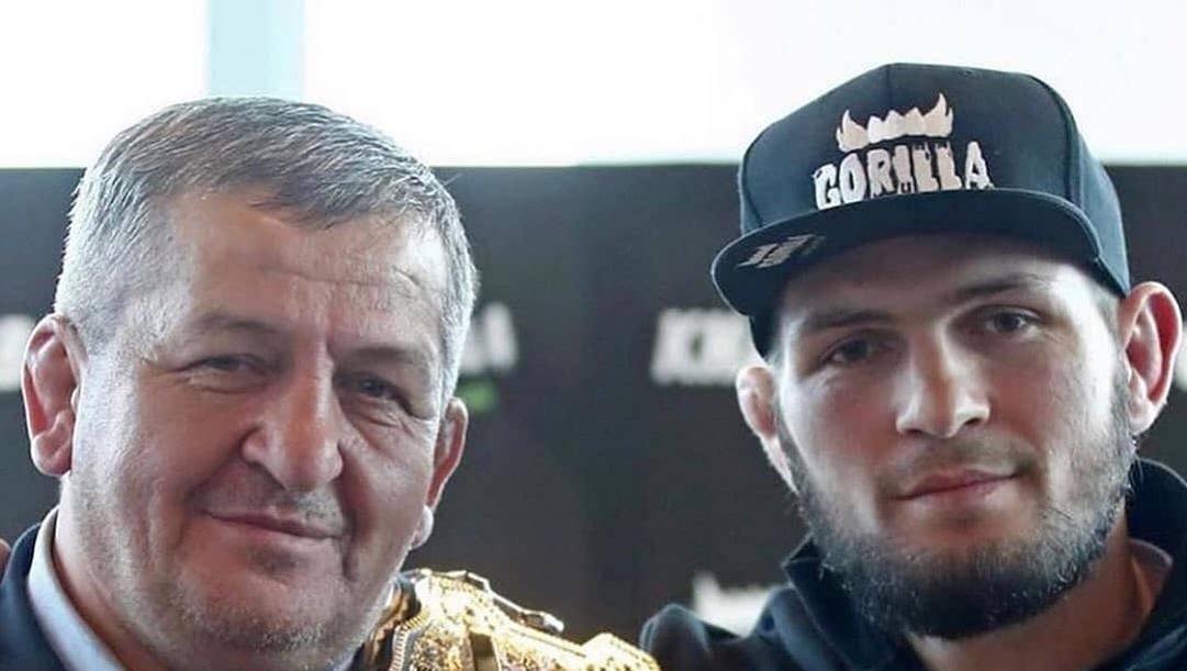 Abdulmanap Nurmagomedov, 57 anni, e suo figlio Khabib