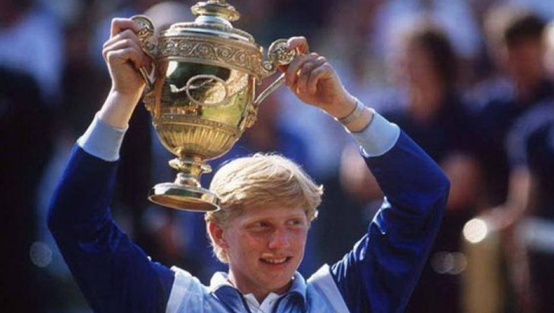 Boris Becker trionfante a Wimbledon nel 1985