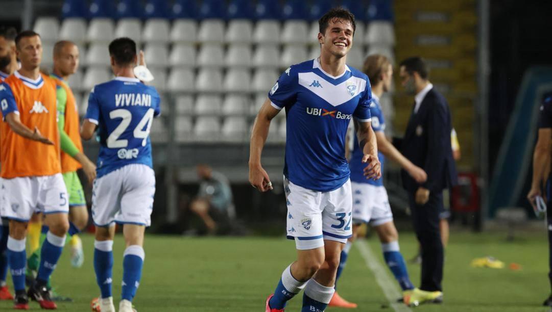 Andrea Papetti, 18 anni, con la maglia del Brescia.