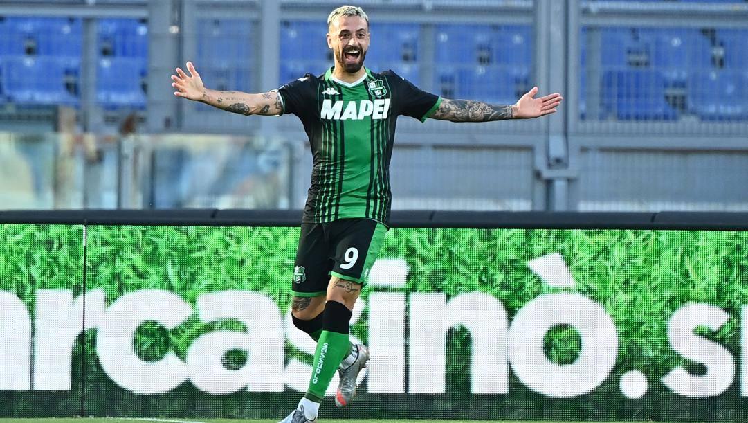 Francesco Caputo, 32 anni, festeggia il gol della vittoria. Lapresse